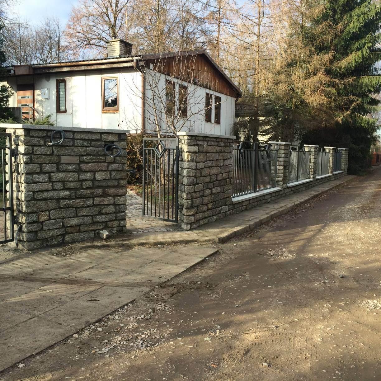 Ogrodzenie kamienne z granitu