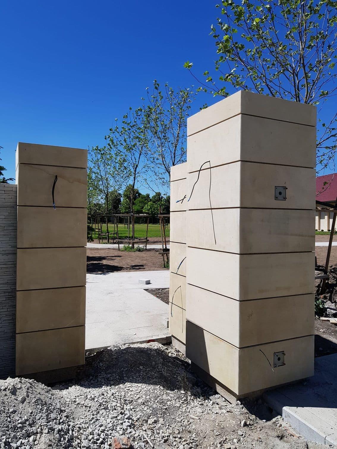 Ogrodzenia kamienne z płyty piaskowca