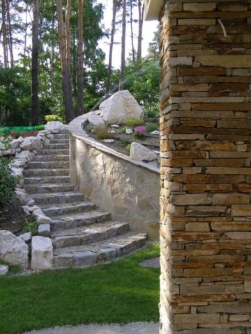 Elewacje kamienne z łupka Bałkańskiego