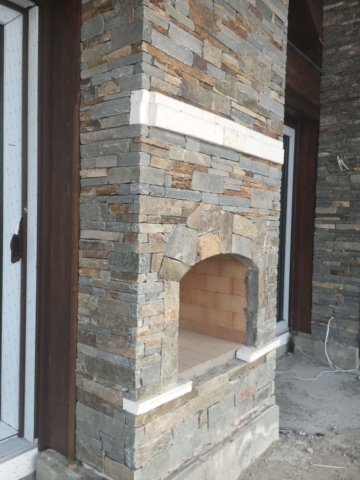 Kominek kamienny z łupka bałkańskiego